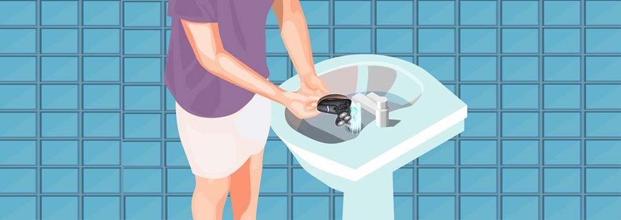 Step 7- Rinse Your Razor